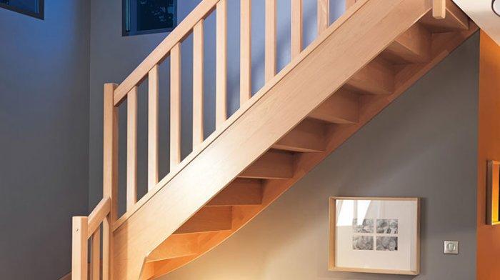 l 39 escalier qui nous fait tr bucher once upon a maison. Black Bedroom Furniture Sets. Home Design Ideas